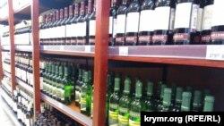 Считается, что вся водка в магазинах – легальная
