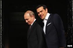 В 2016 году премьер-министр Греции Алексис Ципрас и Владимир Путин улыбались друг другу. Сейчас отношения между Афинами и Москвой испортились