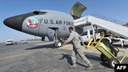 На американской авиабазе в аэропорту Манас. 18 октября 2013 года.