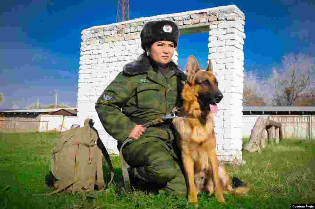 Пограничник Жанин Ахунжанова.Автор Абдикаимов Нургазы.
