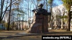 Помнік Уладзімеру Караткевічу быў пастаўлены ў Віцебску ў 1994 годзе, яго аўтар Іван Казак