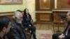 Премьер-министр Никол Пашинян принимает родственников погибшего военнослужащего Артура Аджамяна, Ереван, 26 декабря 2019 г.