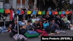 Sa ranijeg štrajka majki ispred Skupštine Crne Gore