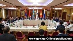 Участники очередного заседания Совета Евразийской экономической комиссии (ЕЭК), проходившего накануне встречи лидеров стран — участниц ЕАЭС. Ереван, 30 сентября 2019 года.