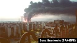 """Станция отопления """"Нови-Београд"""" после попадания в нее бомбы 4 апреля 1999 года"""