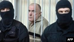 Поранешниот началник на одделот за следење во украинското МВР, генерал Алексиј Пукач на судењето во Киев.