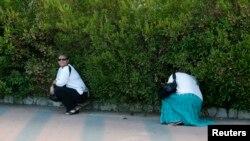 Gra izraelite ulën derisa alarmi paralajmëron për rrezikun e sulmeve me raketa nga Hamasi