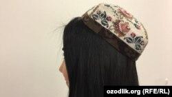 Узбекская девушка в национальном головном уборе (архивное фото)