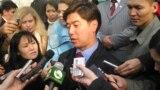 """""""Ақ жол"""" партиясының жетекшісі Әлихан Бәйменов. 4 желтоқсан 2005 жыл."""