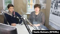 Leonid Litra și Alina Radu în studioul Europei Libere