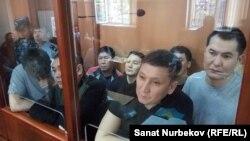 Апелляциялық сот отырысына қатысып жатқан айыпталушылар. Алматы, 12 қыркүйек 2019 жыл.