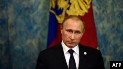 Владимир Путин на пресс-конференции в Париже, 30 ноября