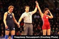 Крывавы жаночы спорт (фота Ўладзімера Несьцяровіча)