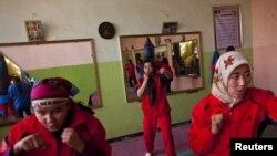 دختران افغان در باشگاه بوکس