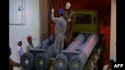 Ирандағы атом электр станциясына Ресейден ядролық отын жеткізілгені туралы ирандық телеарна видеосюжетінен скриншот. 11 мамыр 2011 жыл.