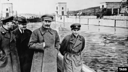 Great Terror: Russian Government's Silence Means Stalin's Victims ...