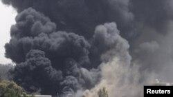 دود ناشی از حملات نیروهای ناتو به طرابلس