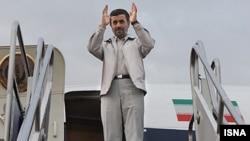 Iran President Mahmud Ahmadinejad before his departure for Lebanon on October 13