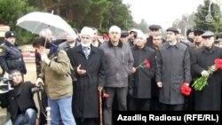 Müxalifətçilər Şəhidlər Xiyabanında- 20 yanvar 2011