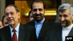 سعید جلیلی و خاویر سولانا روز دوشنبه با یکدیگر مذاکره تلفنی داشتند ولی این مذاکرات نتیجه قطعی نداشت.(عکس: AFP)
