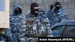 Бійці зведеної групи ФСБ і поліції Росії у Криму