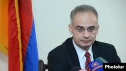 Глава парламентской фракции АНК Левон Зурабян