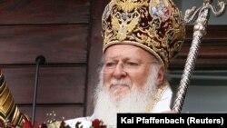 У липні Вселенський патріарх Варфоломій заявив, що кінцевою метою Константинополя є надання українській церкві автокефалії