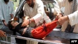 یوه زخمي افغان ماشومه.