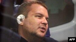 Дмитро Булатов у «швидкій» в аеропорту Вільнюса, 2 лютого 2014 року