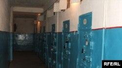 Өлүм жазасына кесилгендер кармалчу Бишкектеги абак.