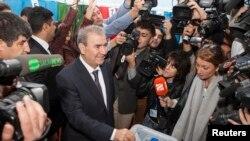 Kandidati nga opozita, Camil Hasanli