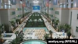 Астанадағы Назарбаев университетінің ішкі көрінісі.