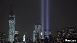 عمودا ضوء في الذكرى 12 لاحداث 11/9 من عام 2001