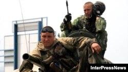 Російські військові у Ґорі, неподалік Тбілісі