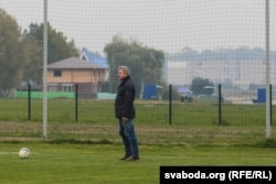 """Васіль Глезаў, сузаснавальнік і галоўны перавозчык """"Крумкачоў"""", таксама стараецца наведваць усе матчы."""