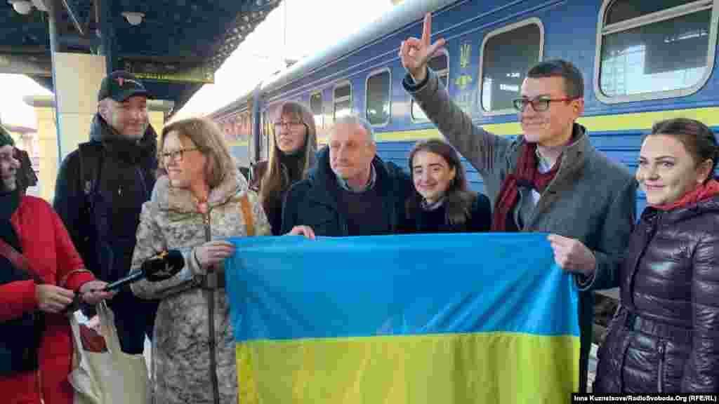 В январе 2020 годаНиколай Семена получил постановление от подконтрольного России Железнодорожного районного суда Симферополя о досрочном прекращении испытательного срока и снятии с него судимости. А уже 19 февраля его встречали в Киеве