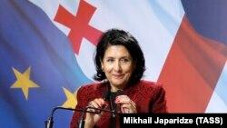 Саломе Зурабишвили обещает быть президентом и остальных, тех 40%, которые сделали выбор в пользу кандидата от «Нацдвижения»
