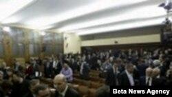 Ndërpritet seanca në Kuvendin e Serbisë