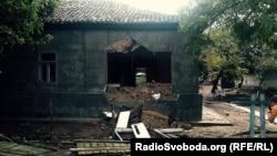 Зруйновані будинки ромів у Лощинівці, 29 серпня 2016 року