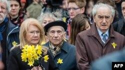 Время Свободы: Шесть желтых лепестков