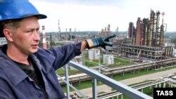 Пока что ФАС предлагает нефтепереработчикам снизить отпускные цены добровольно