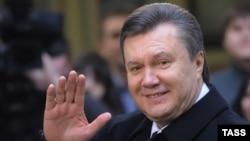 Виктор Янукович обращается к украинцам и мировым лидерам, находясь за пределами государства, президентом которого себя считает