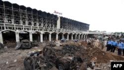 Исламабад, Marriott қонақ үйі (20 қыркүйек )жарылыстан кейін, 21 қыркүйек, 2008 жыл