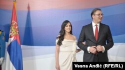 Presidenti i Serbisë, Aleksandar Vuçiq, dhe bashkëshortja e tij.
