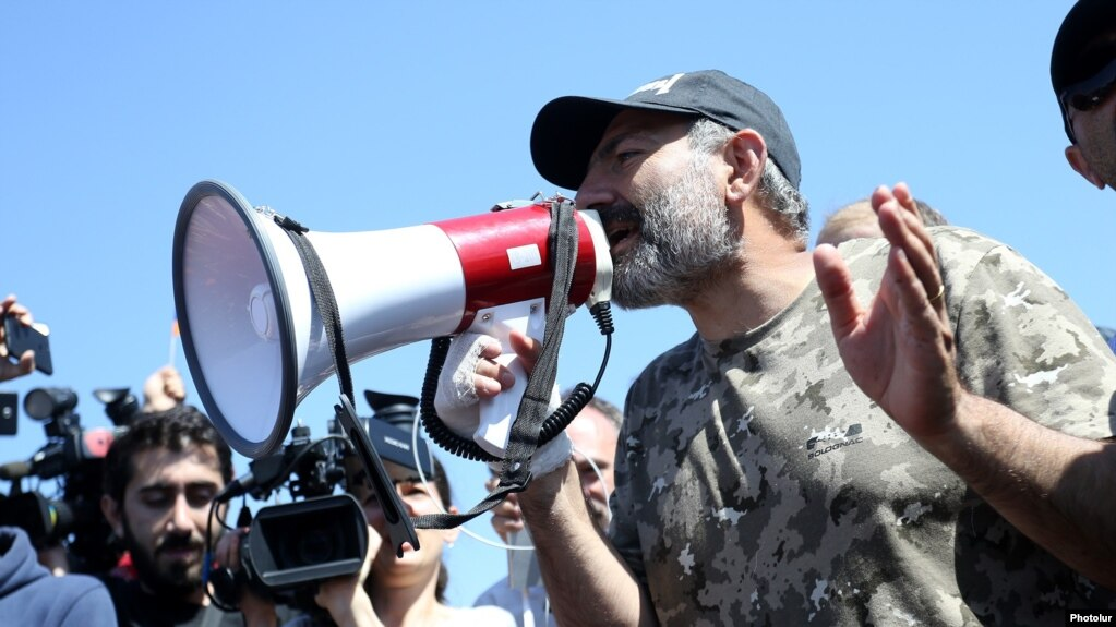 Armenia Opposition leader Nikol Pashinian resumes