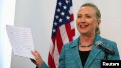 Ҳилларӣ Клинтон, вазири умруи хориҷии Амрико (Акс аз бойгонӣ)
