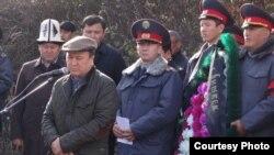 Министр Мелис Турганбаев баштаган милиция кызматкерлери