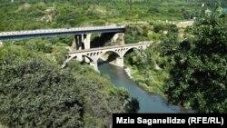Мост через реку Арагви