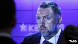 Олег Дерипаска, як вважають, має тісні контакти з Кремлем