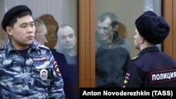 Сергей Озеров, Олег Дмитриев и Олег Иванов (слева направо) на оглашении приговора в суде